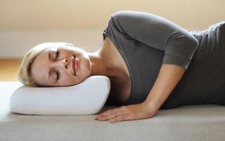 Как спать на ортопедической подушке: инструкция по применению и обзор моделей