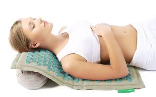 Как выбрать массажный коврик с иголками для спины?