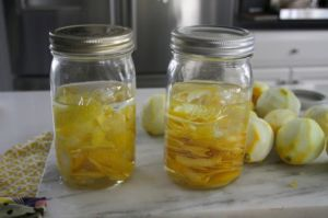 Настойка водки на лимонных корках
